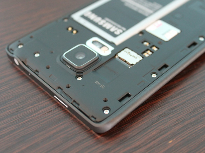 a-lot-of-android-phones-let-you-add-an-sd-card-for-extra-storage
