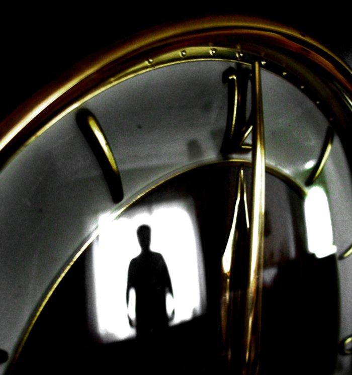 strange-clock