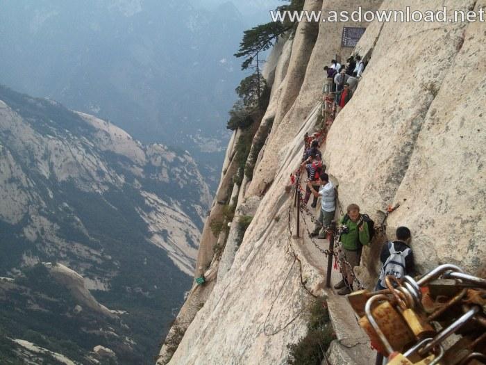 Mount-Huashan Danger Trail in world (12)