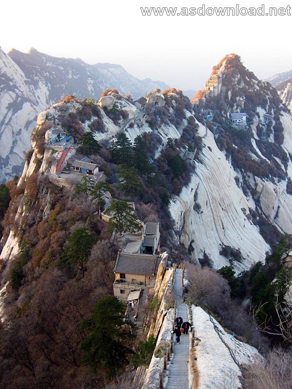 Mount-Huashan Danger Trail in world (27)