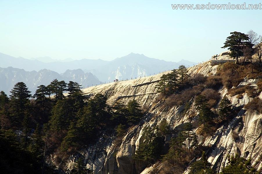 Mount-Huashan Danger Trail in world (28)