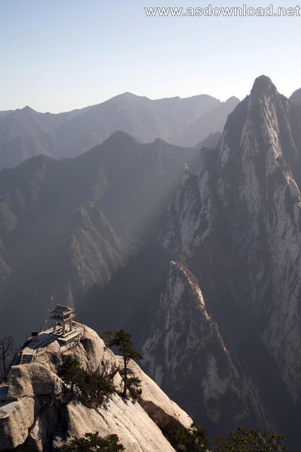 Mount-Huashan Danger Trail in world (32)