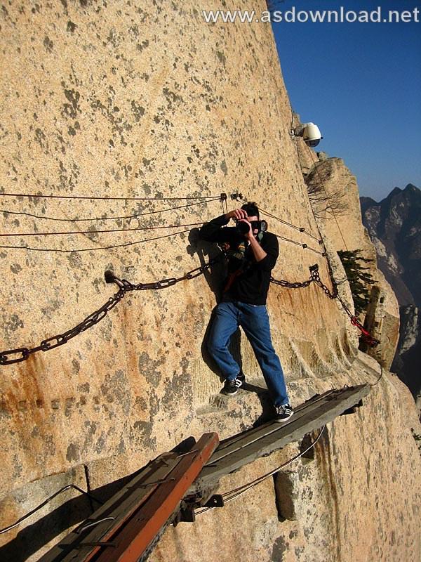 Mount-Huashan Danger Trail in world (33)
