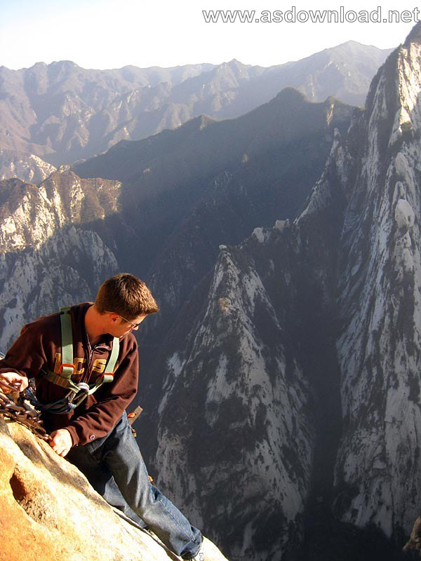 Mount-Huashan Danger Trail in world (36)