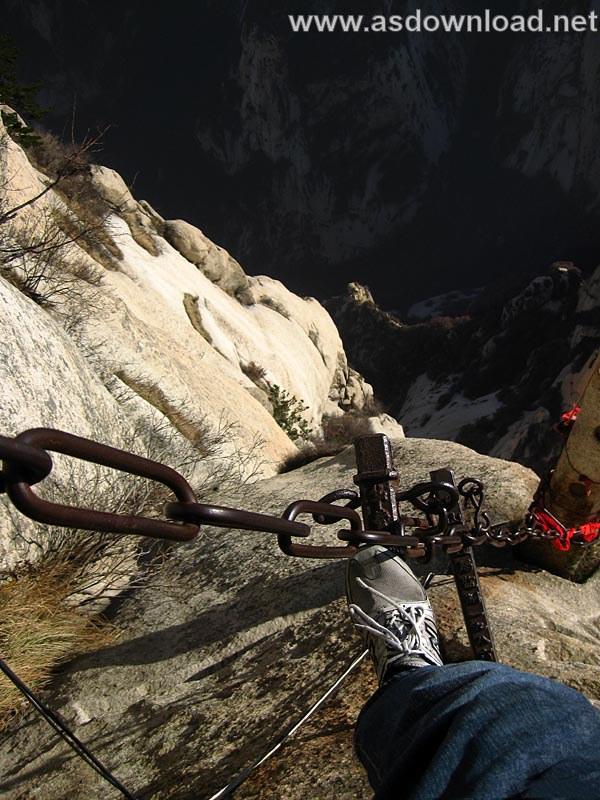 Mount-Huashan Danger Trail in world (38)