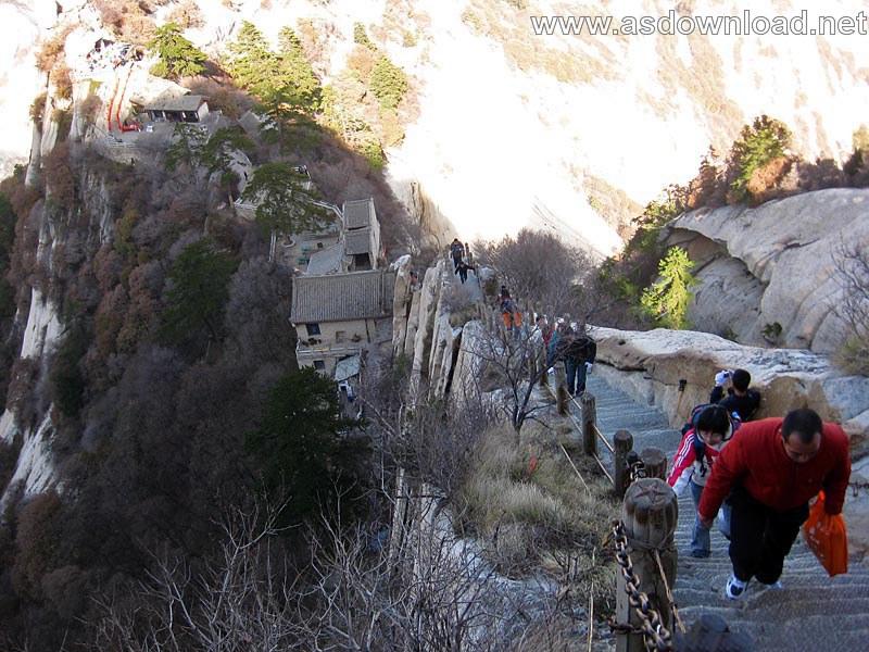 Mount-Huashan Danger Trail in world (39)