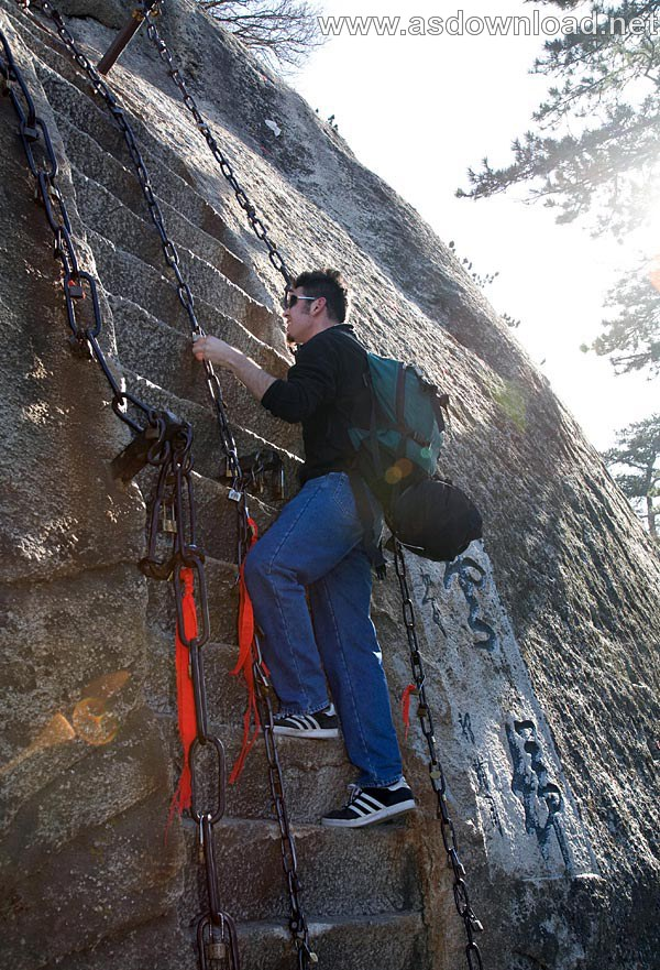 Mount-Huashan Danger Trail in world (40)