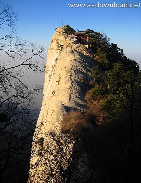 Mount-Huashan Danger Trail in world (43)