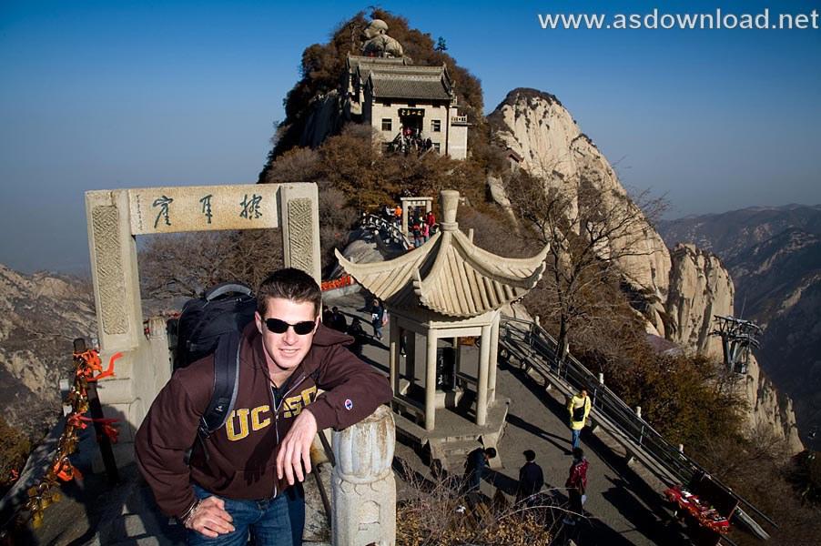 Mount-Huashan Danger Trail in world (45)