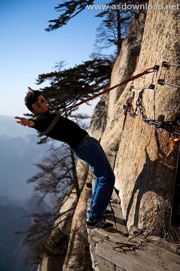 Mount-Huashan Danger Trail in world (51)