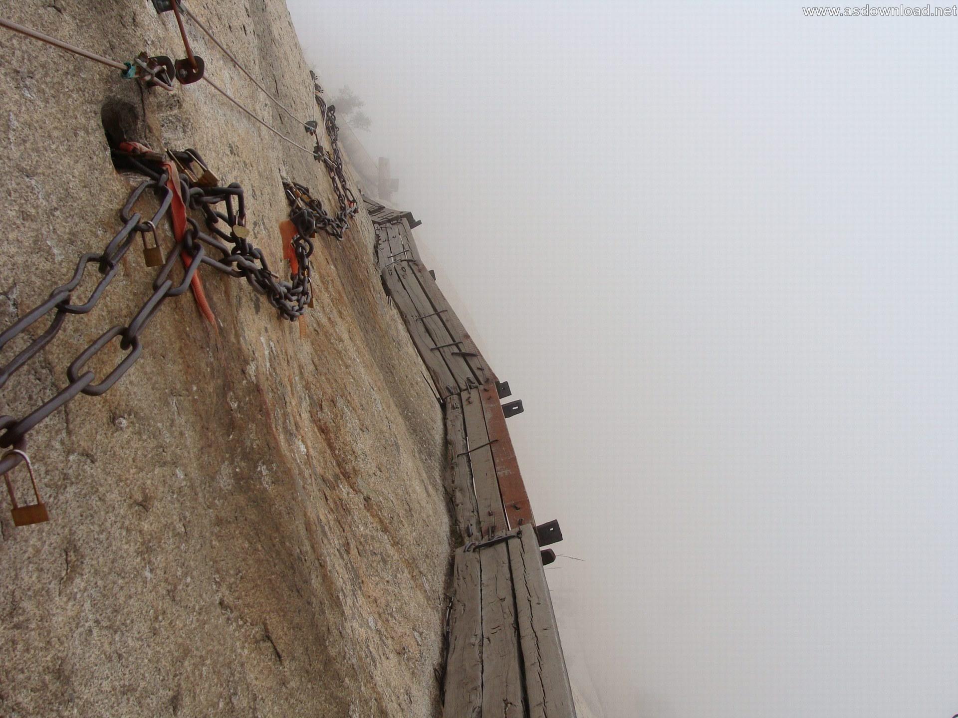 Mount-Huashan Danger Trail in world (52)