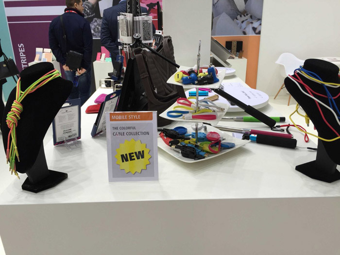 colorful-phone-accessories-