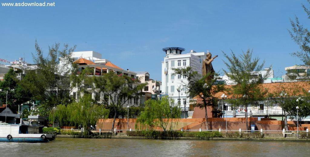 Stadt aus Sicht vom Boot
